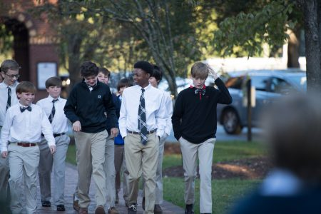 EDS students walking.